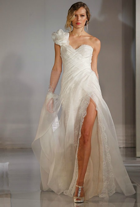 1111-3-top-3-wedding-dresses-ines-di-santo-wedding-gowns-fall-2012-bridal-market_we