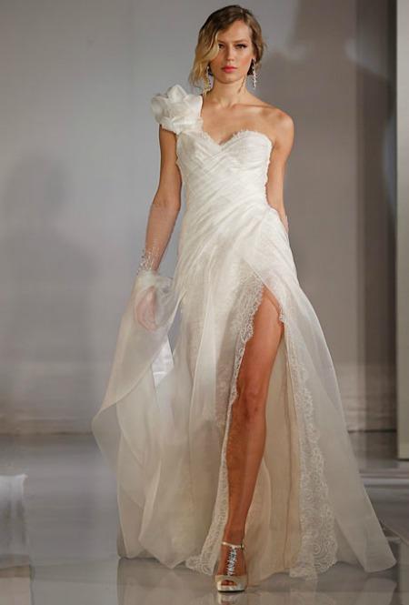 1111-3-top-3-wedding-dresses-ines-di-santo-wedding-gowns-fall-2012-bridal-market_we