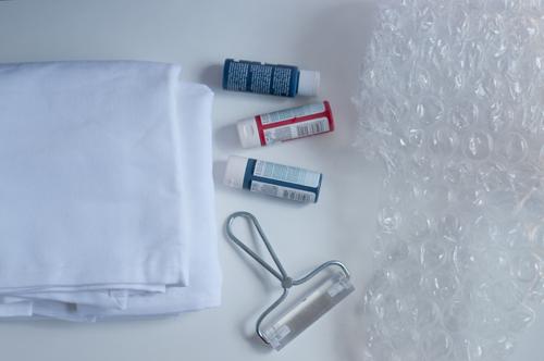Bubble-Wrap-Tablecloth-1