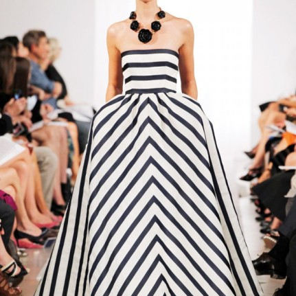 Oscar de la Renta/ http://www.fashionmagazine.com/blogs/fashion/2013/02/20/spring-fashion-2013-199-runway-photos-of-the-top-15-trends-for-the-season/attachment/spring-fashion-2013-trend-stripes-oscar-de-la-renta/